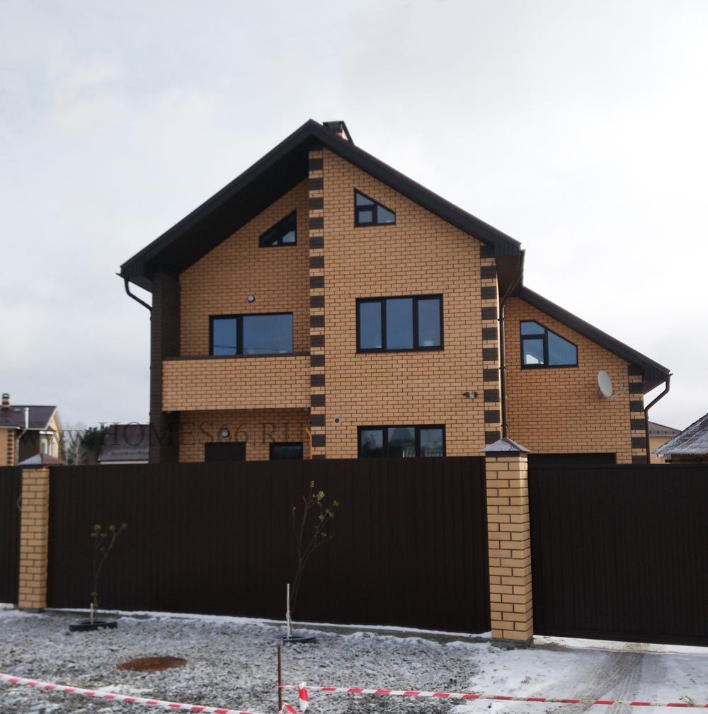 Фотография построенного дома по проекту Д-110.  Дом готов