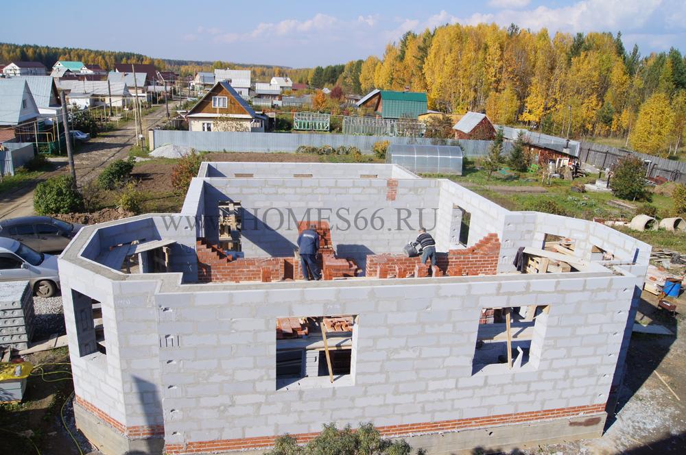 фото дома построенного по типовому проекту К-200В кладка стен