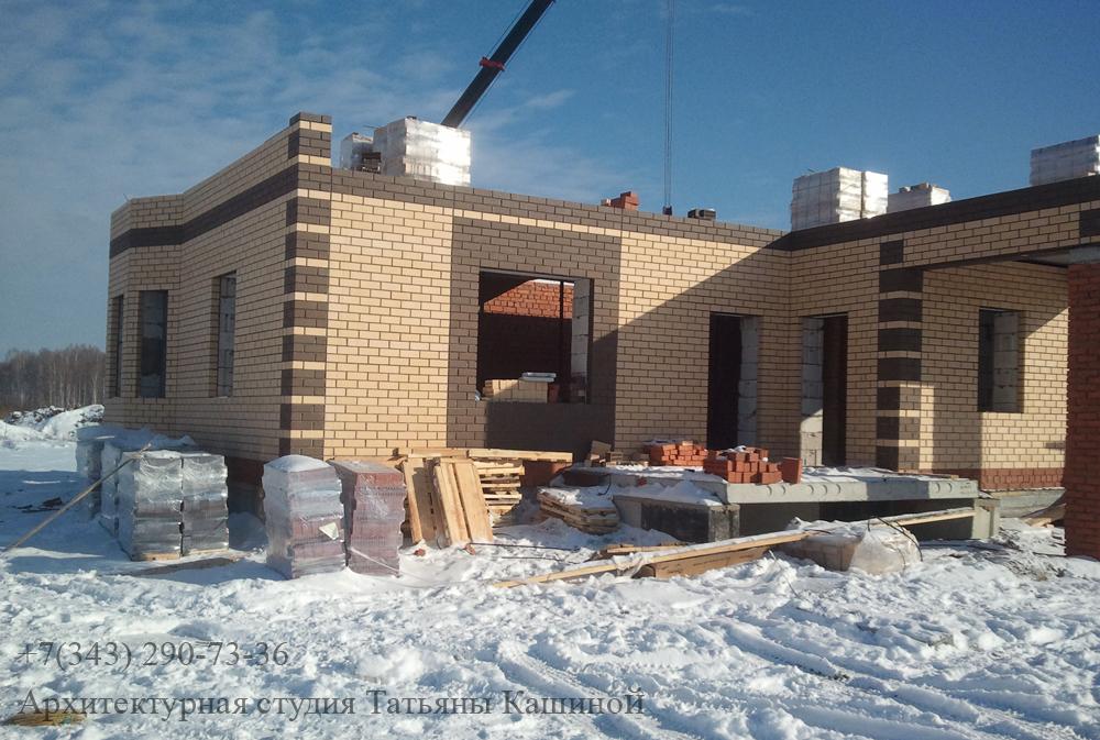 Строительство двухквартирного дома. Возведение первого этажа